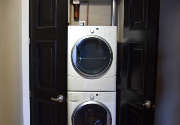 2.5-Laundry-in-Entry