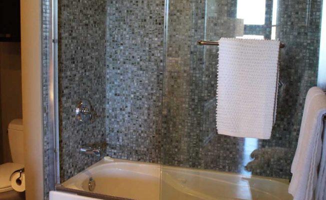 2F-Bathroom-w